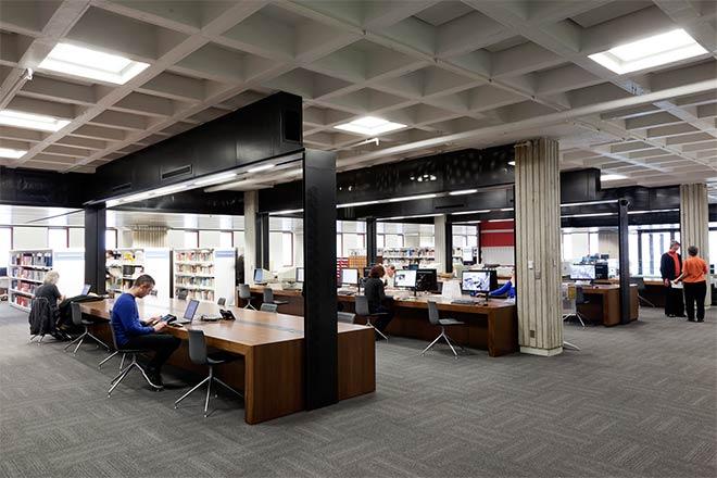 Национальный читальный зал библиотеки
